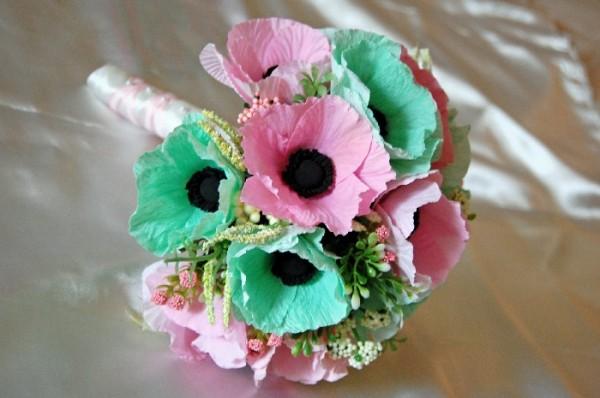 Flower Alternatives: Paper Flowers | The Budget Savvy Bride