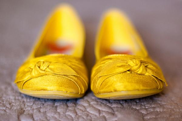 backyard wedding, yellow wedding shoes