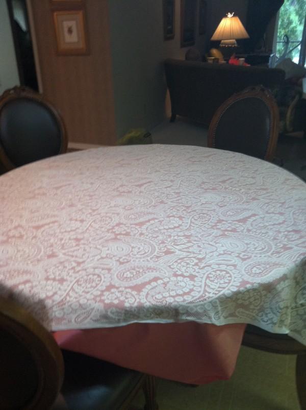 vintage lace Table Cloths
