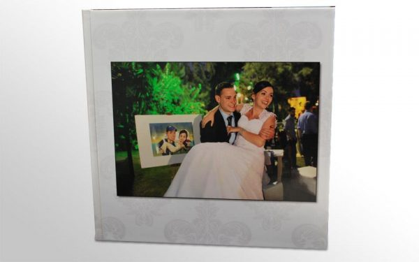 bride box lake album1 600x375 in {Giveaway} Win a wedding album from Bride Box! and blog