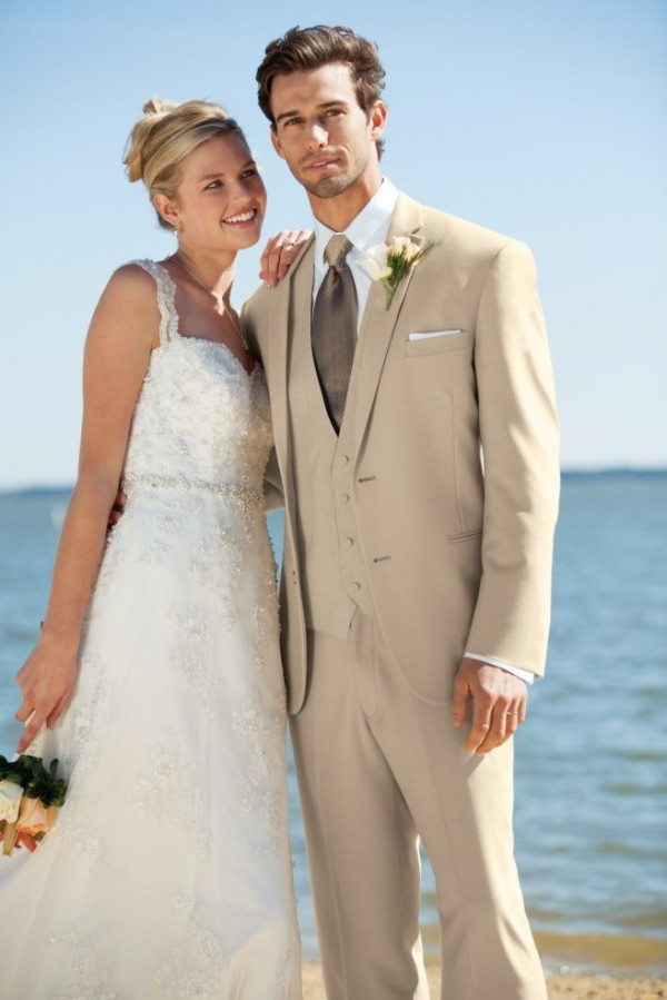Groom and Groomsmen Attire for Summer or Destination Weddings ...