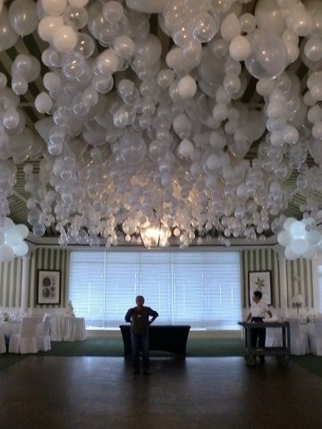 Tulle ing around and other ways im a diy bride the budget savvy what the ceiling of balloons will look like in the barn lots of solutioingenieria Choice Image