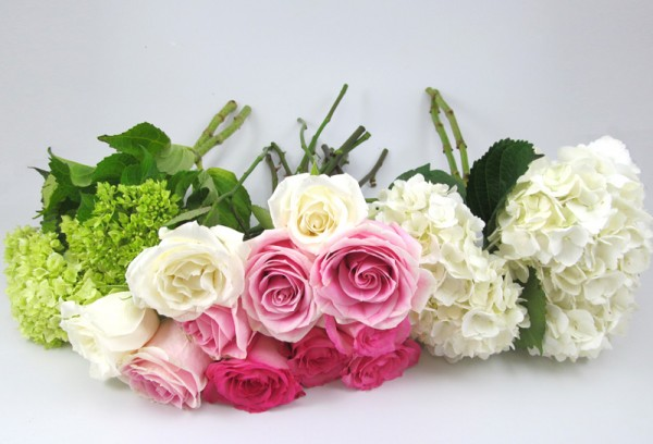 this bouquet features from left to right mini green hydrangeas eskimo roses 40cm rosita vendela light pink and rose sweet unique pink - Garden Rose And Hydrangea Bouquet