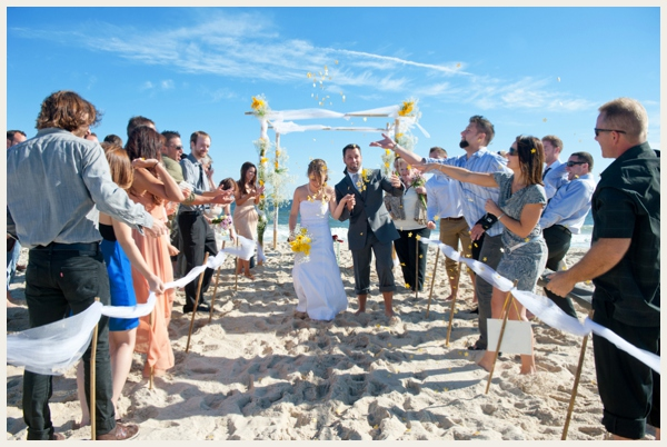 budget-savvy-beach-wedding_0010
