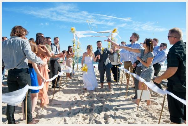 budget-savvy-beach-wedding_0010