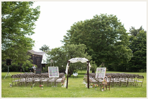 rustic-barn-wedding-on-a-budget_0004