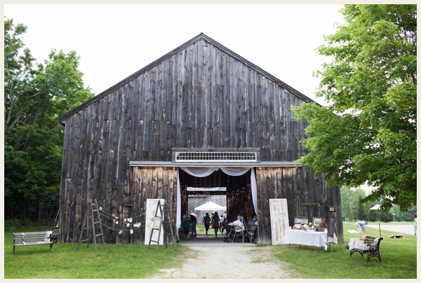 rustic-barn-wedding-on-a-budget_0030