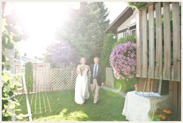 lovely-backyard-wedding_0021