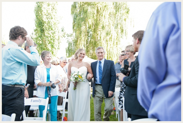 lovely-backyard-wedding_0022