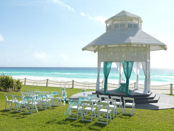 normal_84ParadisusCancun-WeddingGazebo