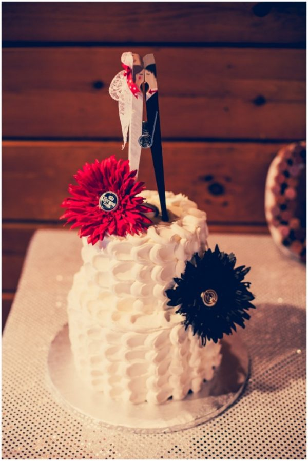 black white red wedding_0035
