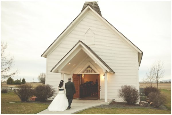 eclectic and colorful church wedding_0013