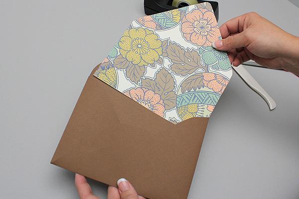 vintage-autumn-slide-in-envelope-liner