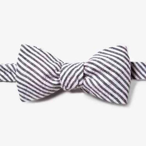 black-seersucker-seersucker-stripe-self-tie-bow-tie-235570-505-800-0