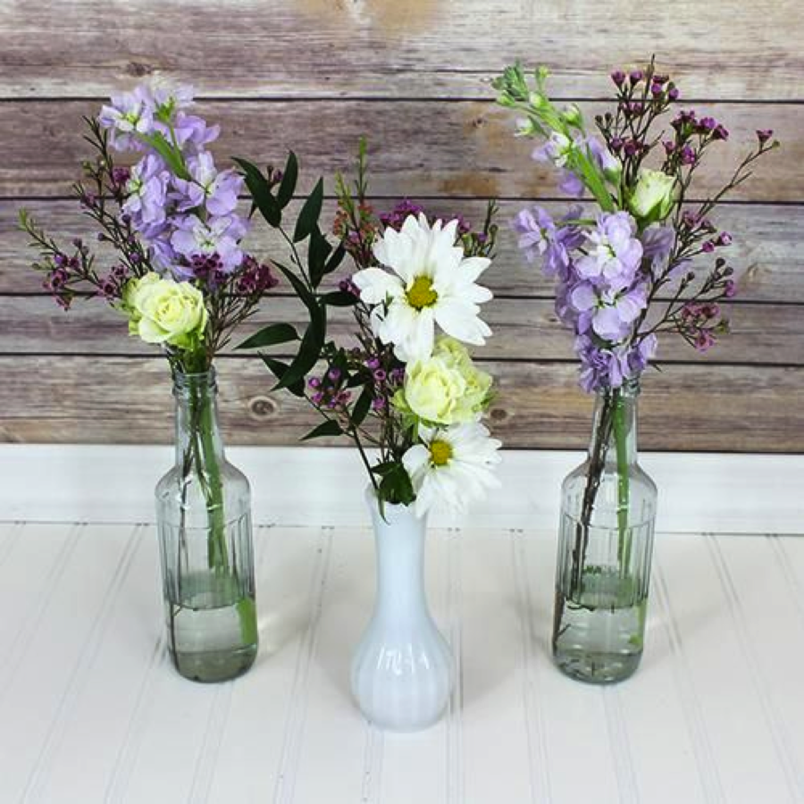 Lightly Garnished Centerpieces, Pinspiration from bloomsbythebox.com, seasonal flowers concept from thebudgetsavvybride.com