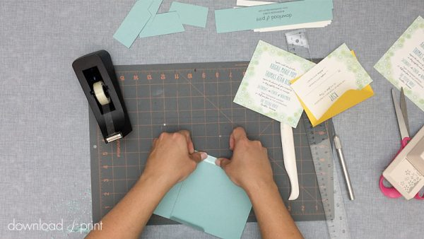 Download-and-Print-Daisy-Pocketfold-Tutorial-08-Tape-Flaps