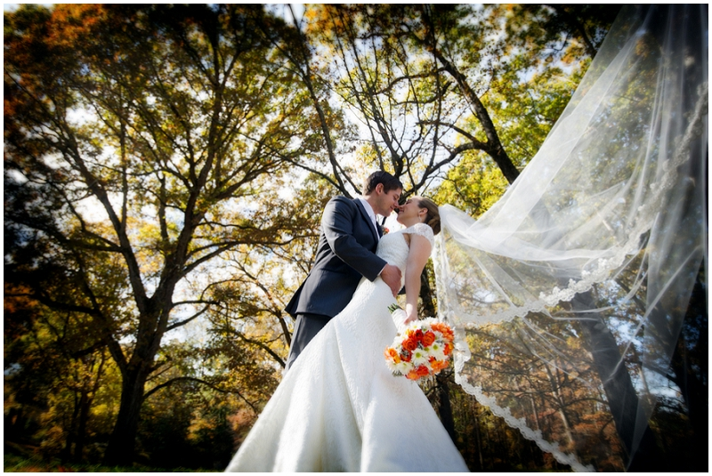 outdoor fall wedding photos