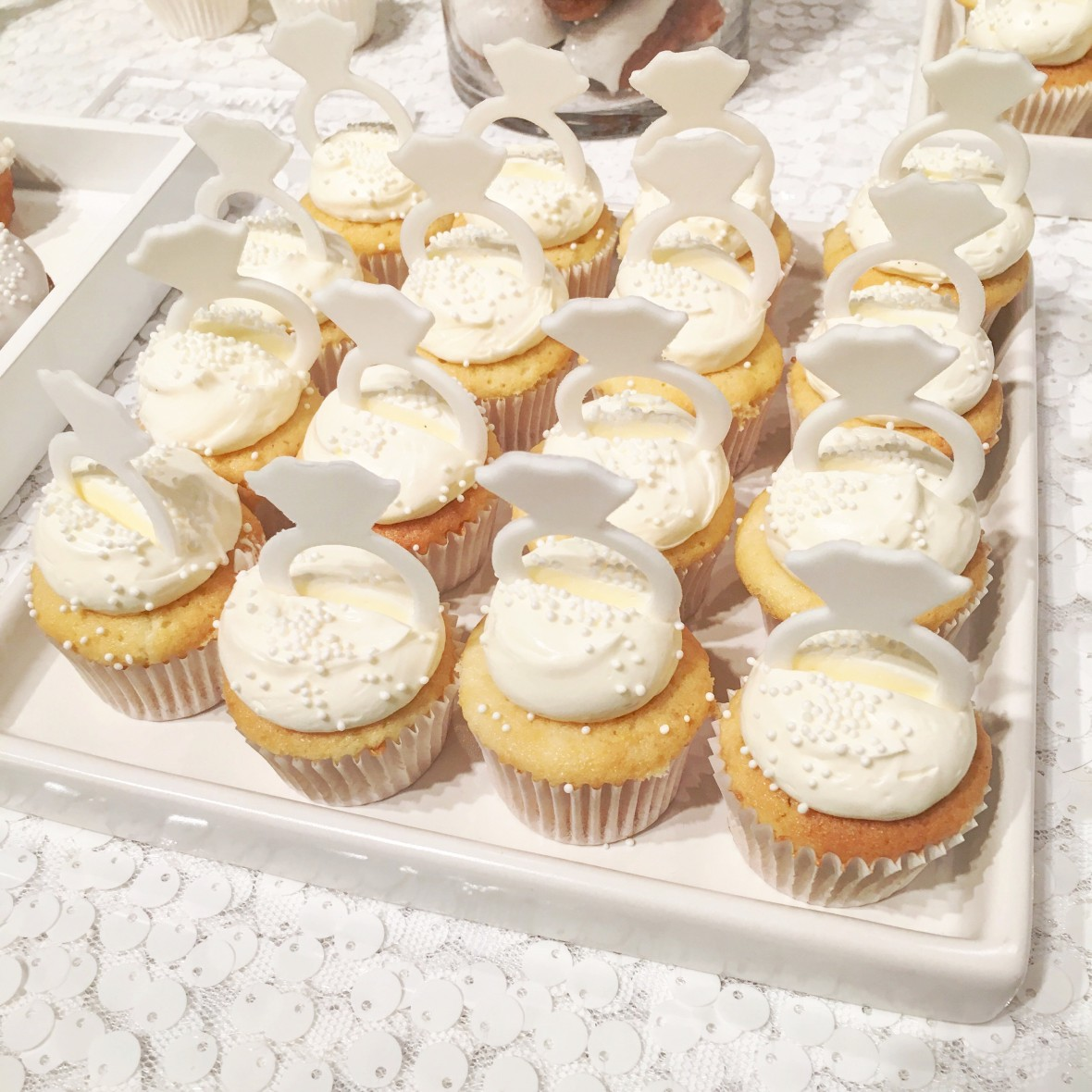 weddings in color launch party - mini cupcakes from @ninecakes