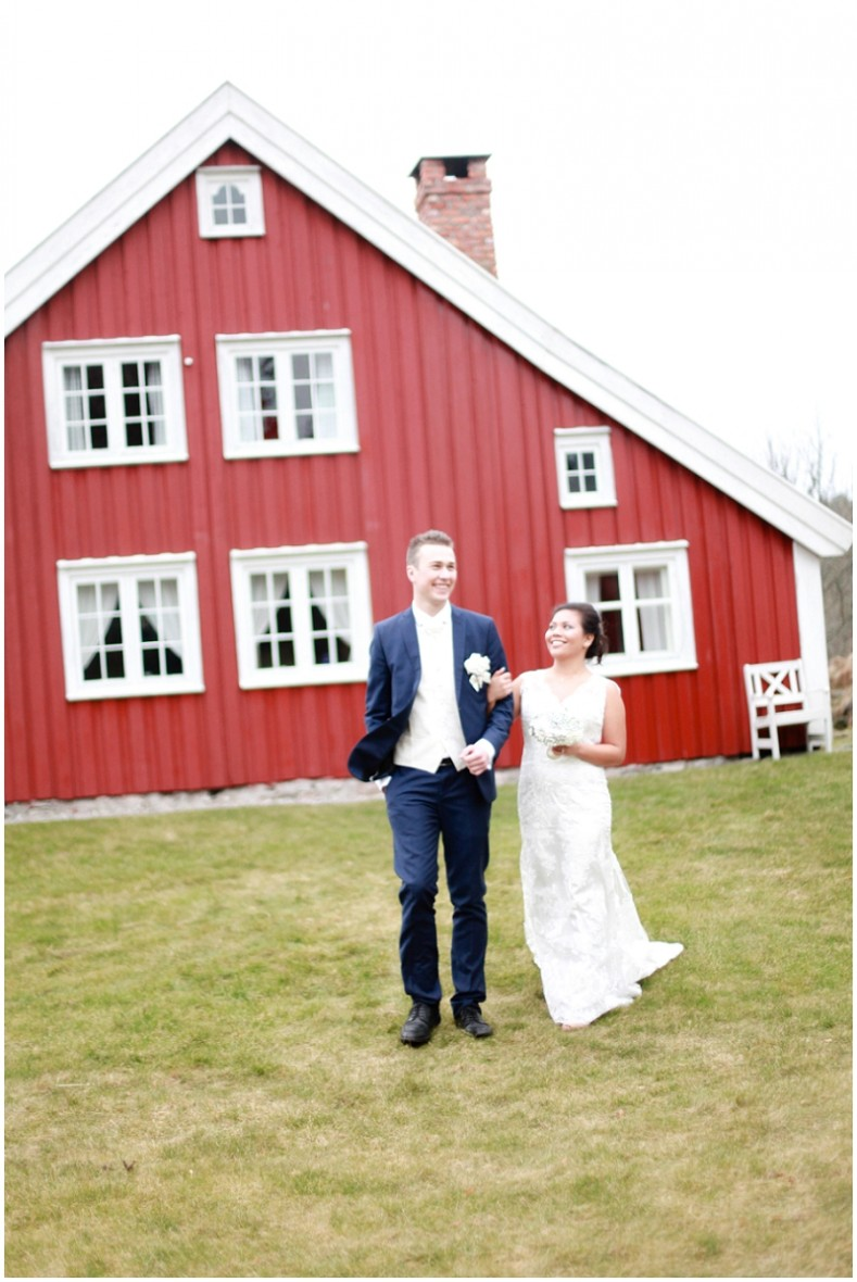 red barn wedding photos