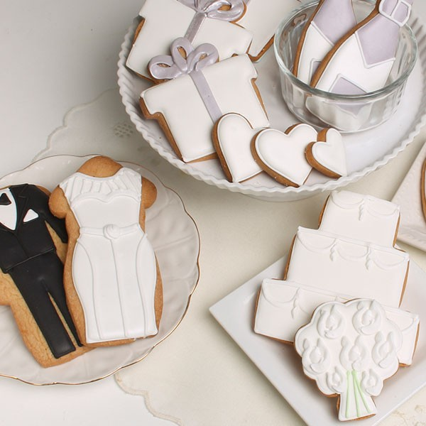 eleni's I DO wedding cookie set