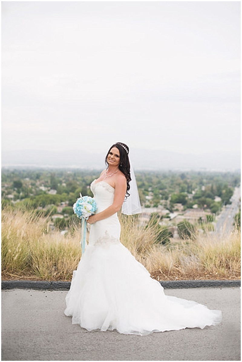 bride outdoor photos