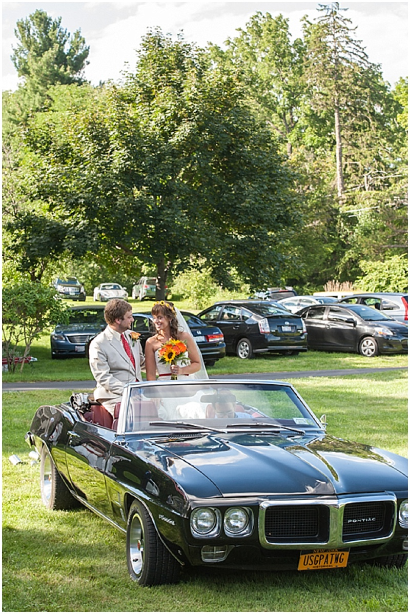 classic car wedding photos