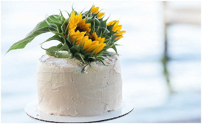 simple sweetheart wedding cake