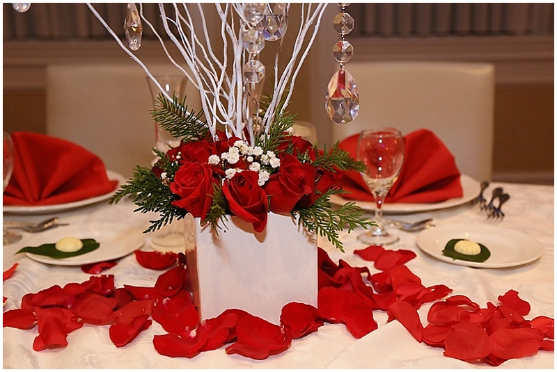 red and white table decor