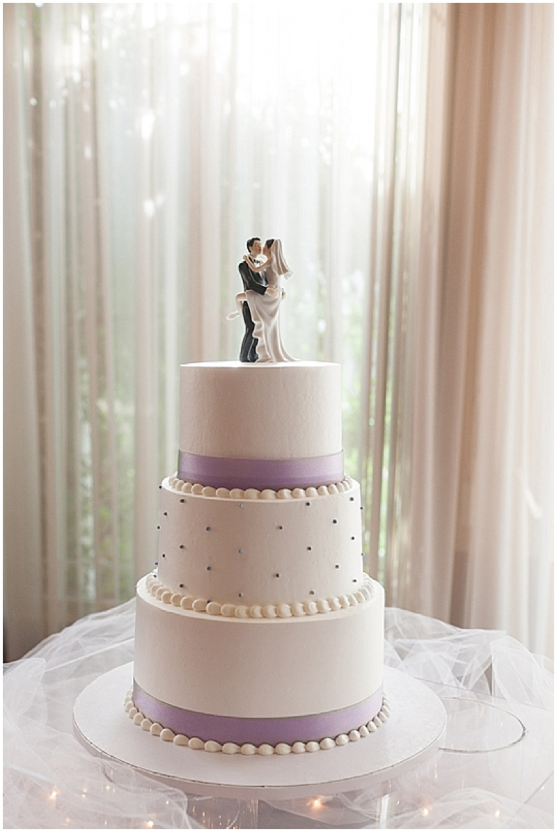 wedding cake for 200 guests wedding with diy details the budget savvy 22698