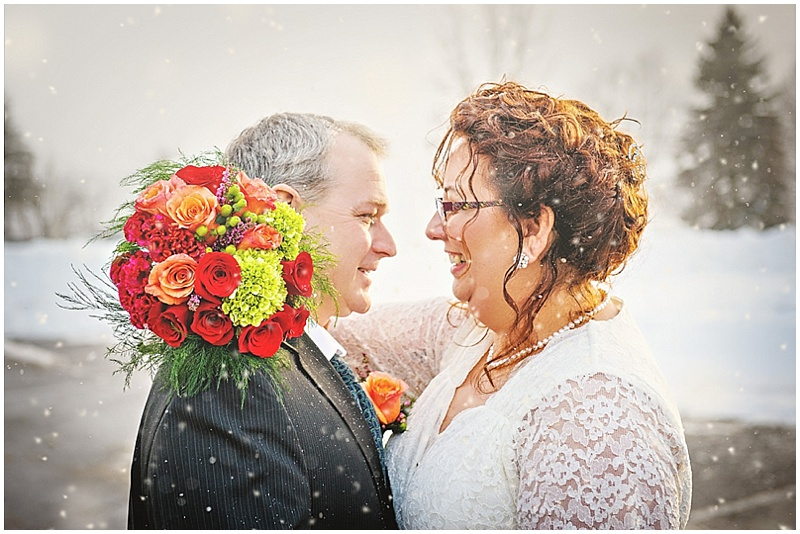 snowing wedding photos