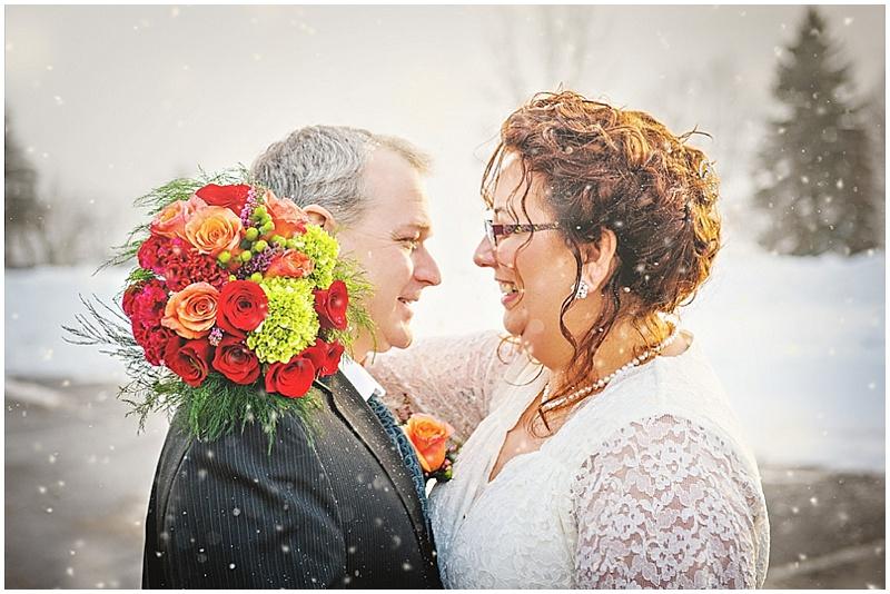 snowing wedding photos