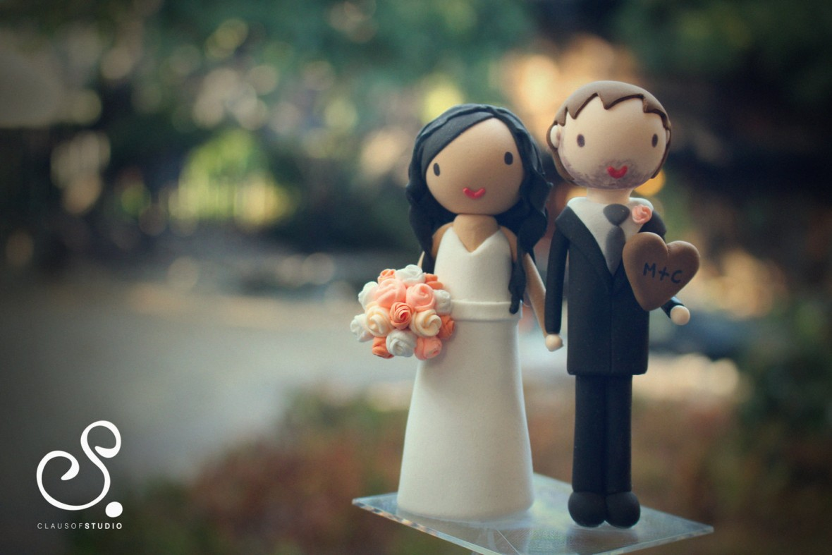 ClauSofStudio wedding cake topper