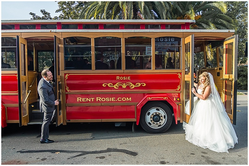 trolly wedding photos