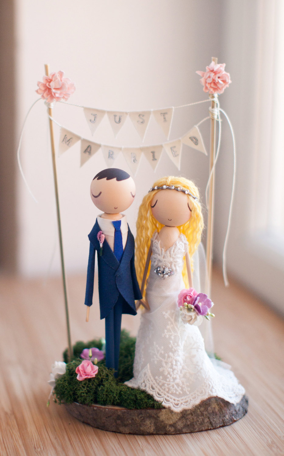 theroomba wedding cake topper