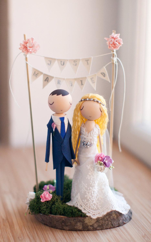 theroomba wedding cake topper
