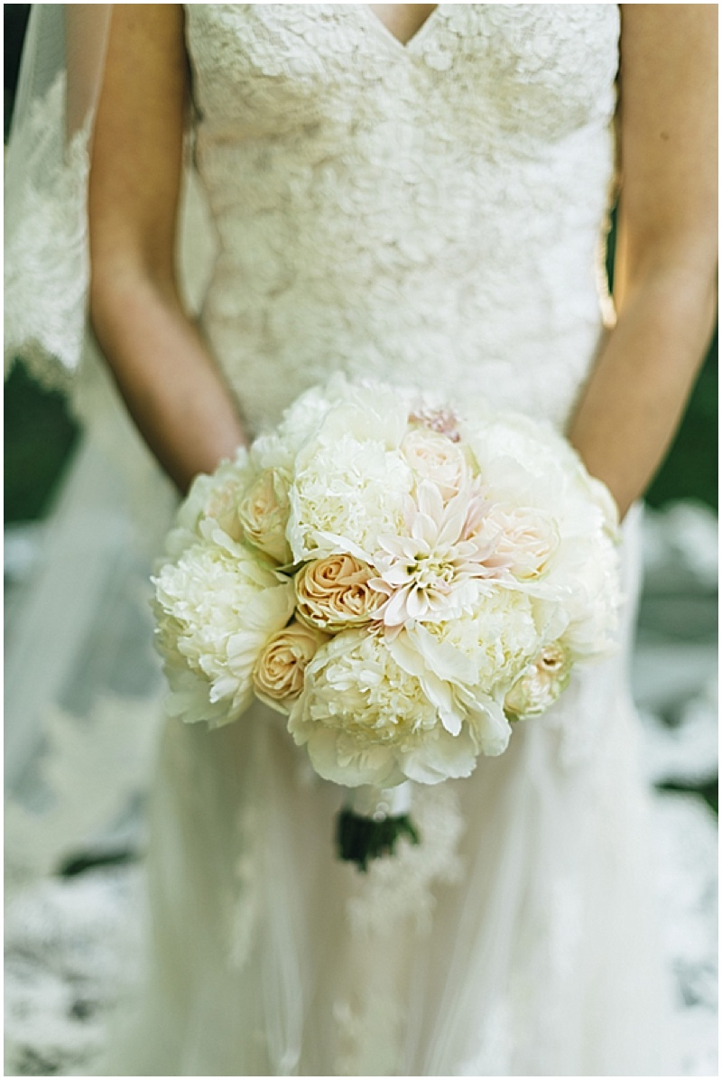 white and blush wedding bouquet