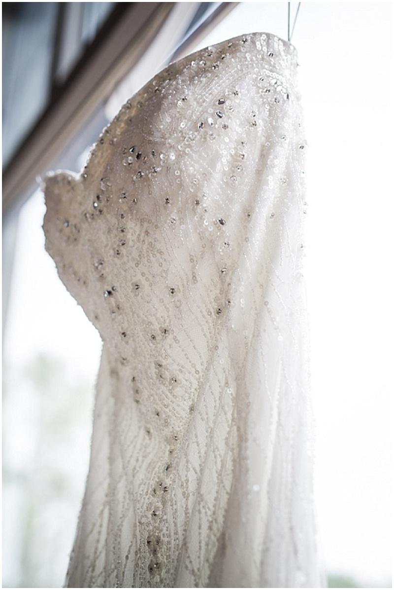 Gorgeous & Elegant DIY Wedding_009