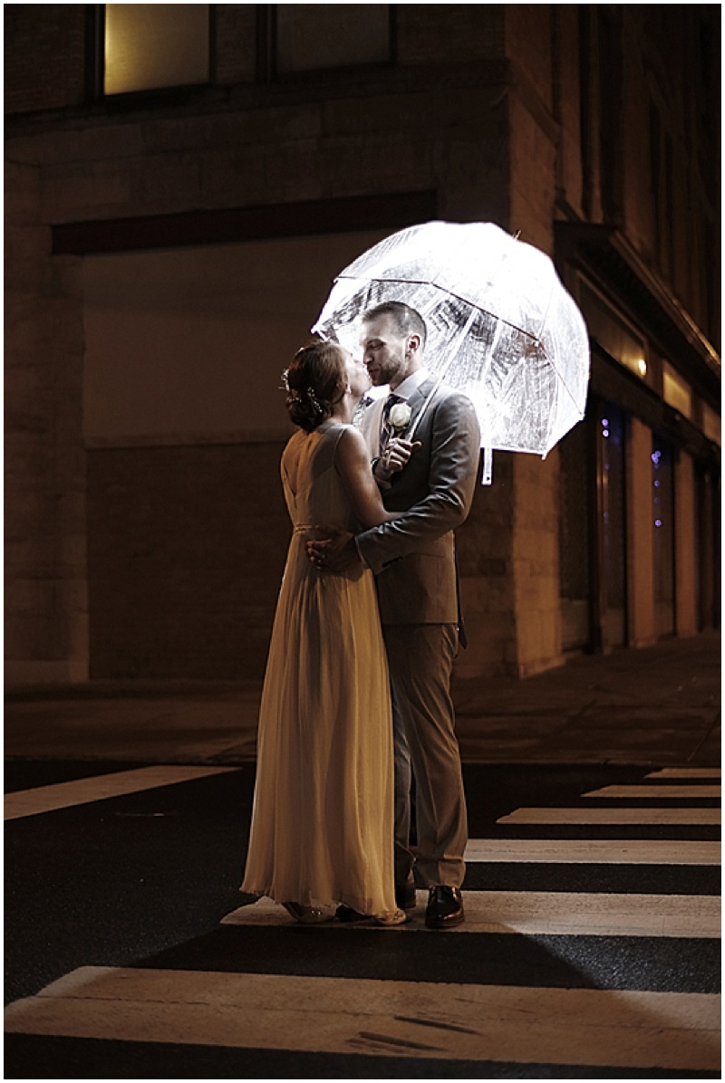 umbrella wedding photos