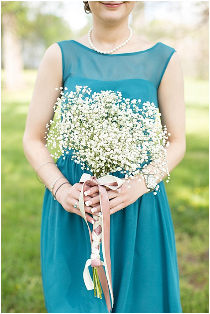 Rustic Wedding with Teal Details_005