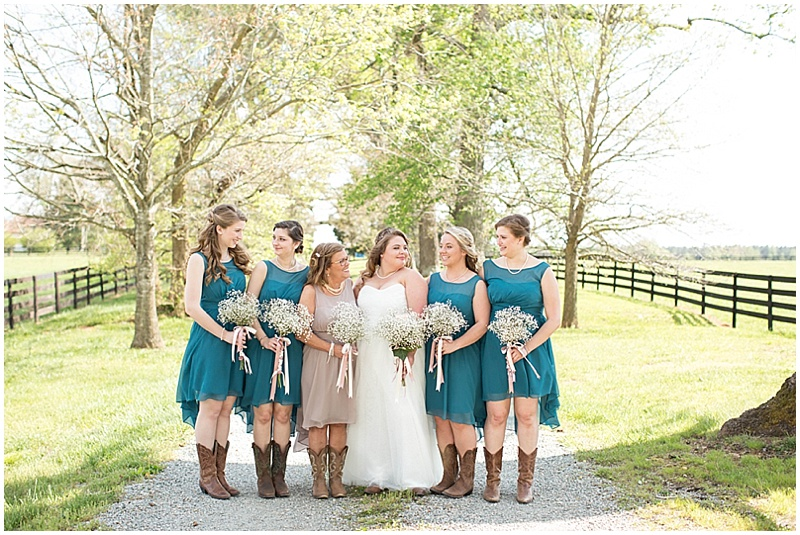 Rustic Wedding with Teal Details_006