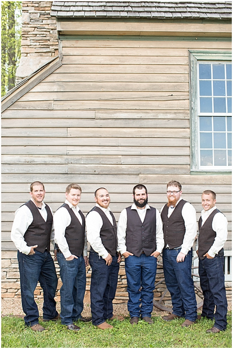 Rustic Wedding with Teal Details_007