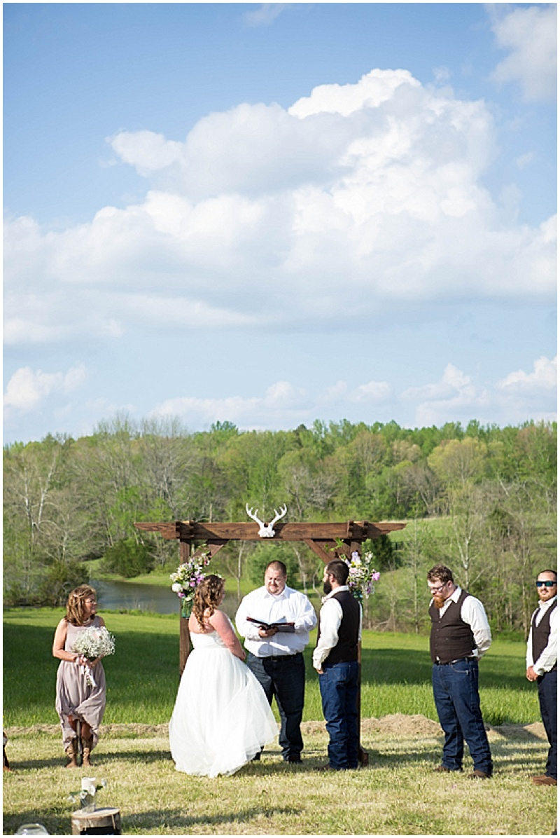 Rustic Wedding with Teal Details_020