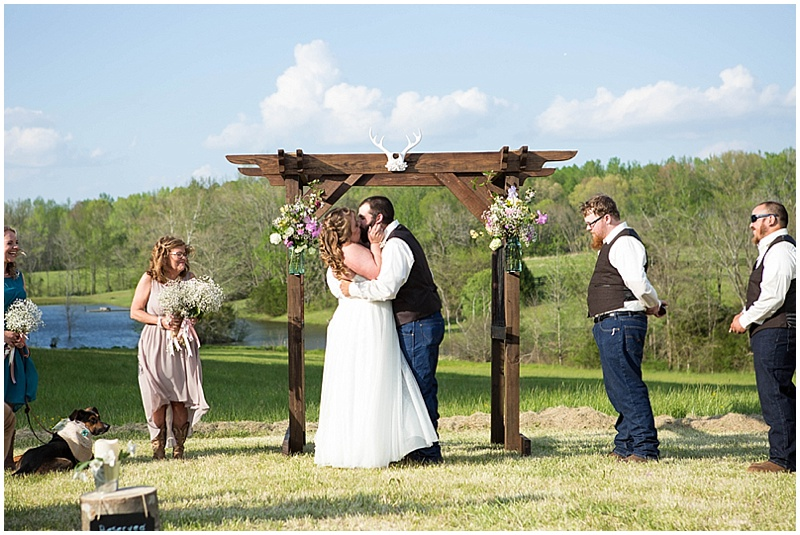 Rustic Wedding with Teal Details_022