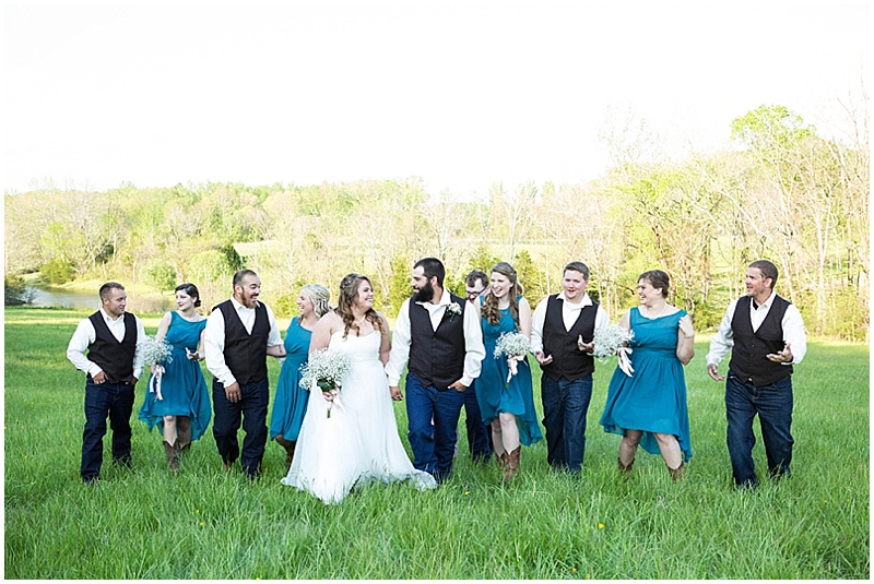 Rustic Wedding with Teal Details_025