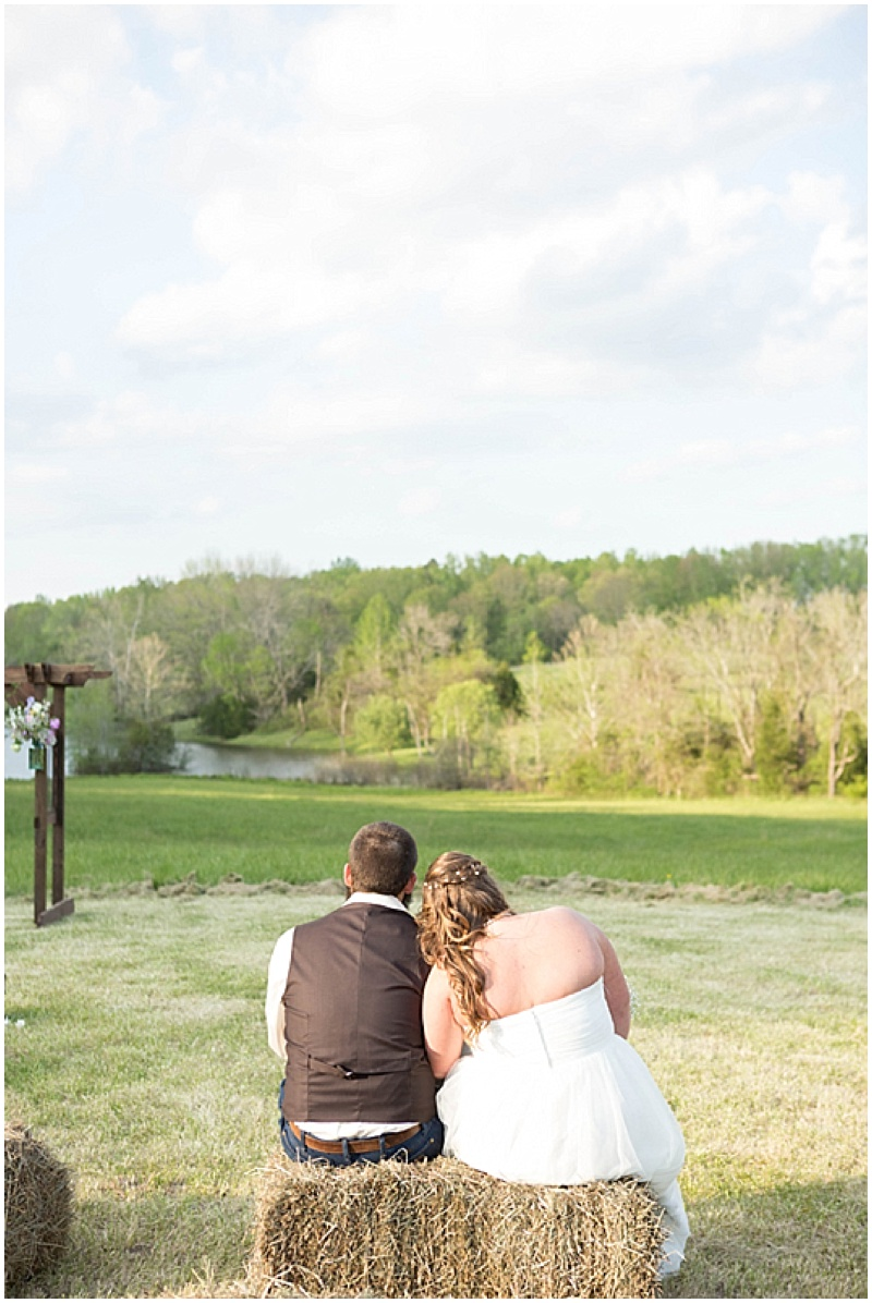 Rustic Wedding with Teal Details_029