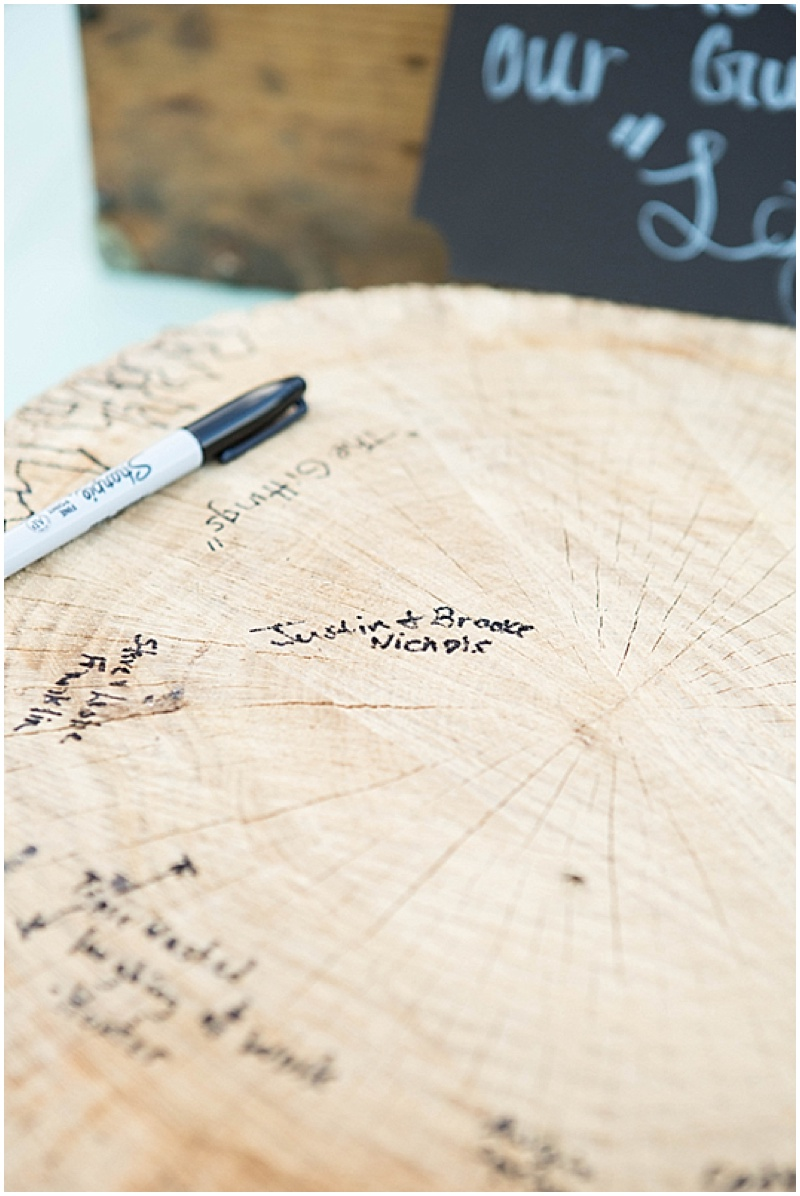 Rustic Wedding with Teal Details_037