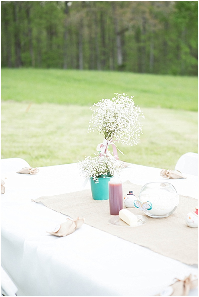 Rustic Wedding with Teal Details_041