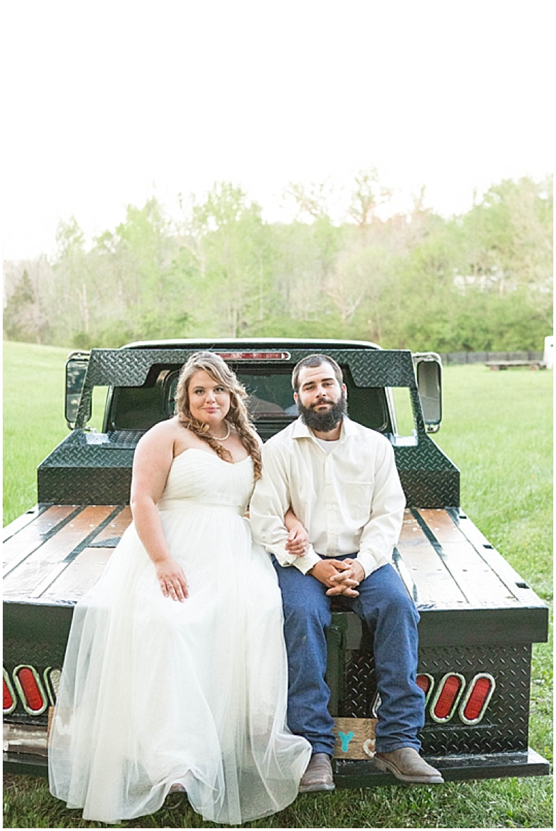Rustic Wedding with Teal Details_049