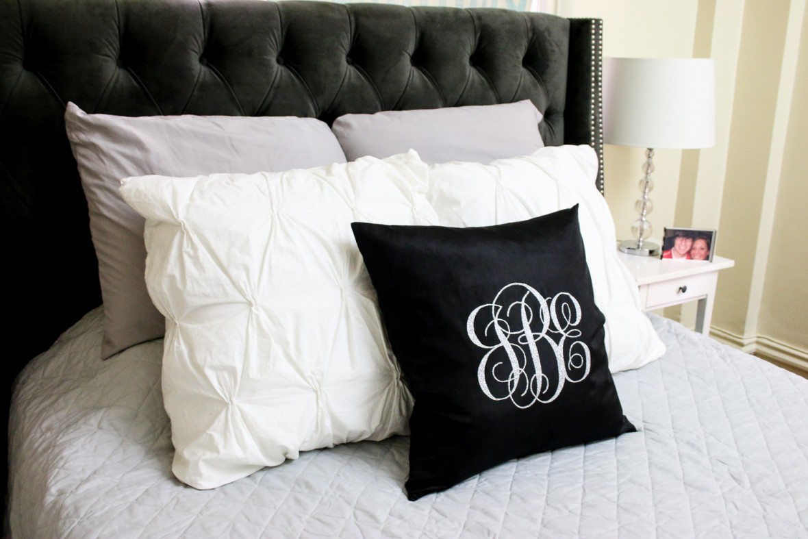 Make an adorable Iron-On Glitter Monogram Pillow with the Cricut Explore Air!!!