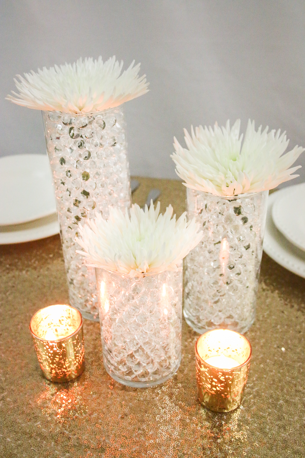 Budget savvy centerpieces using water beads from gemnique for Images of centerpiece ideas